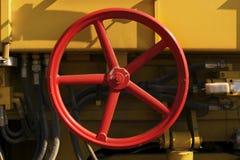 Válvula redonda roja Imágenes de archivo libres de regalías