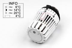 Válvula termostática del radiador - costes de la calefacción Imagen de archivo libre de regalías