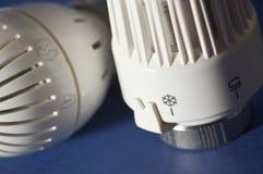 Válvula termostática para controlar o calor fotos de stock royalty free