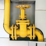Válvula velha da tubulação de gás para controlar os gáss que incorporam o sistema Para o ins imagens de stock royalty free