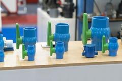 Válvula y tubo para fabricar para el grado industrial pesado Fotos de archivo libres de regalías