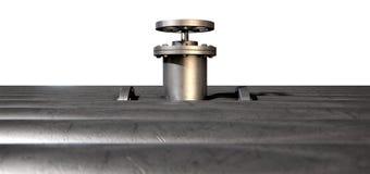 Válvula y tubos de cierre del metal Imagen de archivo libre de regalías
