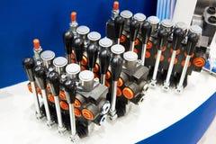 Válvulas de controle direcional para hidráulico Imagem de Stock