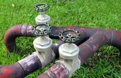 Válvulas, válvulas del cromo, válvulas del agua, Foto de archivo libre de regalías