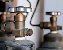 Válvulas do tanque do óxido nitroso Fotografia de Stock