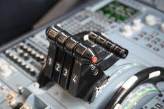 Válvulas reguladoras del aeroplano foto de archivo