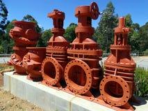 Válvulas viejas en la exhibición en la presa del vertedero de Mundaring Foto de archivo libre de regalías