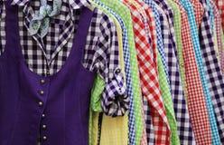 Várias camisas coloridas Foto de Stock Royalty Free