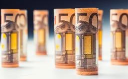 Várias centenas euro- cédulas empilhadas pelo valor Cédulas do Euro de Rolls Dinheiro da moeda do Euro Imagem de Stock