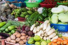 Várias frutas e legumes frescas no mercado em Vietname Fotografia de Stock