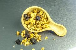 Várias sementes no fundo de aço inoxidável Foto de Stock