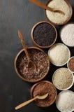 Vário arroz em umas bacias Fotos de Stock