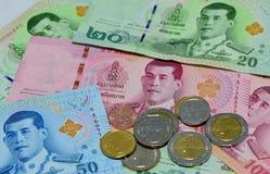 Vário de cédulas tailandesas Imagens de Stock