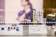 Vários braceletes e a outra joia Imagem de Stock Royalty Free