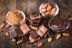Vários chocolate e cacau fotografia de stock royalty free