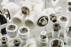 Vários encaixes, torneiras de água, conectores para sondar fotos de stock royalty free