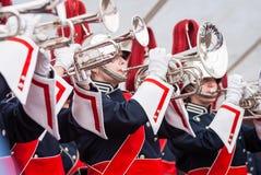 Vários instrumentos e detalhes de uma faixa da música da formação orquestral de intrumentos de sopro Imagens de Stock Royalty Free