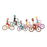 Vários povos, homens e mulheres, bicicletas de montada, ciclismo, atividades do verão Fotos de Stock
