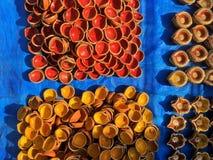 Vários projetos, formas e tamanhos de lâmpadas tradicionais de Diwali imagem de stock royalty free