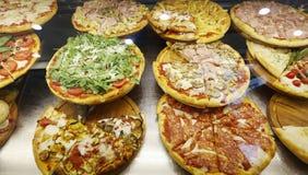 Vários tipos da pizza italiana Imagens de Stock Royalty Free