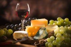 Vários tipos de composição do queijo Imagem de Stock Royalty Free