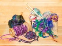 Vários tipos de fios para confecção de malhas Fotografia de Stock