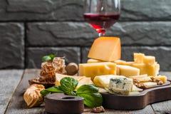 Vários tipos de queijo Fotografia de Stock Royalty Free