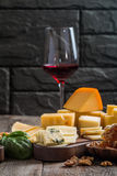 Vários tipos de queijo Foto de Stock Royalty Free