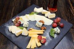 Vários tipos de queijo Imagem de Stock