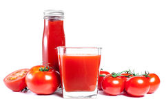 Vários tipos do produto dos tomates e de tomates frescos Fotografia de Stock Royalty Free