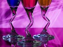 Vástagos curvados de los vidrios de vino Imagen de archivo libre de regalías