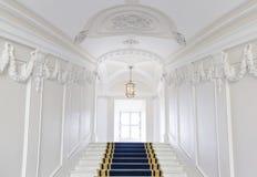 Vão das escadas no palácio polonês. imagem de stock