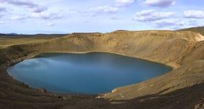 VÃti es un lago volcánico en el volcán central islandés Krafla Fotografía de archivo libre de regalías
