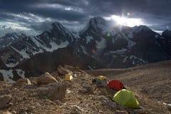 Väder för läger för hög höjd ändrande royaltyfri fotografi