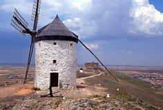 Väderkvarn Consuegra, Spanien. Royaltyfri Bild