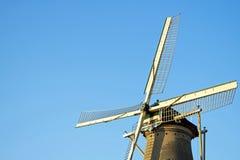 Väderkvarn delftfajans, Nederländerna fotografering för bildbyråer