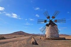 Väderkvarn Fuerteventura, Canarias, Spanien, Europa fotografering för bildbyråer