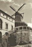 Väderkvarn - historisk arkitektur Royaltyfria Foton
