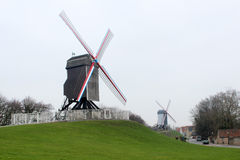Väderkvarn i Brugge, Belgien Royaltyfria Bilder