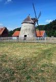 Väderkvarn i Kuzelov i sydliga Moravia Royaltyfri Foto