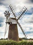 Väderkvarn i Norfolk UK Royaltyfria Bilder