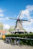 Väderkvarn på den holländarewadden ön Terschelling Royaltyfria Bilder