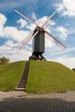Väderkvarn på förorter av Bruges Royaltyfria Bilder