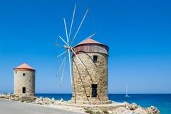 Väderkvarn på Rhodes Arkivfoto