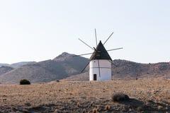 Väderkvarn Pozo de los Frailes, AlmerÃa, Spanien Fotografering för Bildbyråer