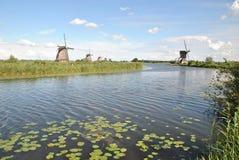 Väderkvarnar av Kinderdijk 7 Royaltyfri Bild