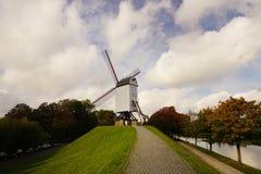Väderkvarnar från Bruges Arkivbild