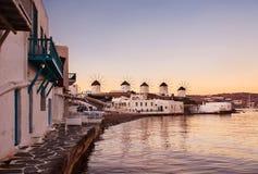 Väderkvarnar i Mykonos Royaltyfri Bild