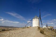 Väderkvarnar i Spanien, La Mancha, berömda Don Quijote Arkivbilder