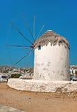 Väderkvarnar på den Mykonos ön, Grekland 2 Royaltyfri Foto